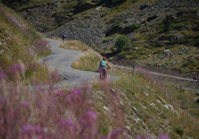 Alpe d'Huez: the Sarenne Gorges by e-bike