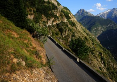 The Road to Auris by e-bike